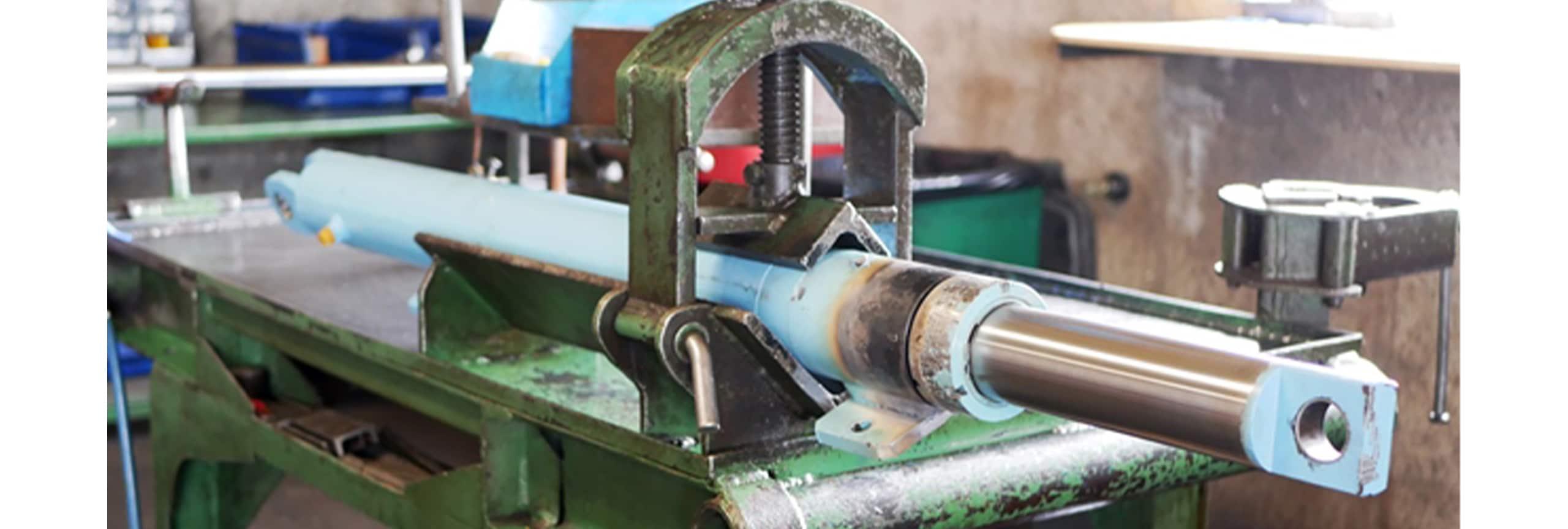 Fabrication et réparation de vérins hydrauliques